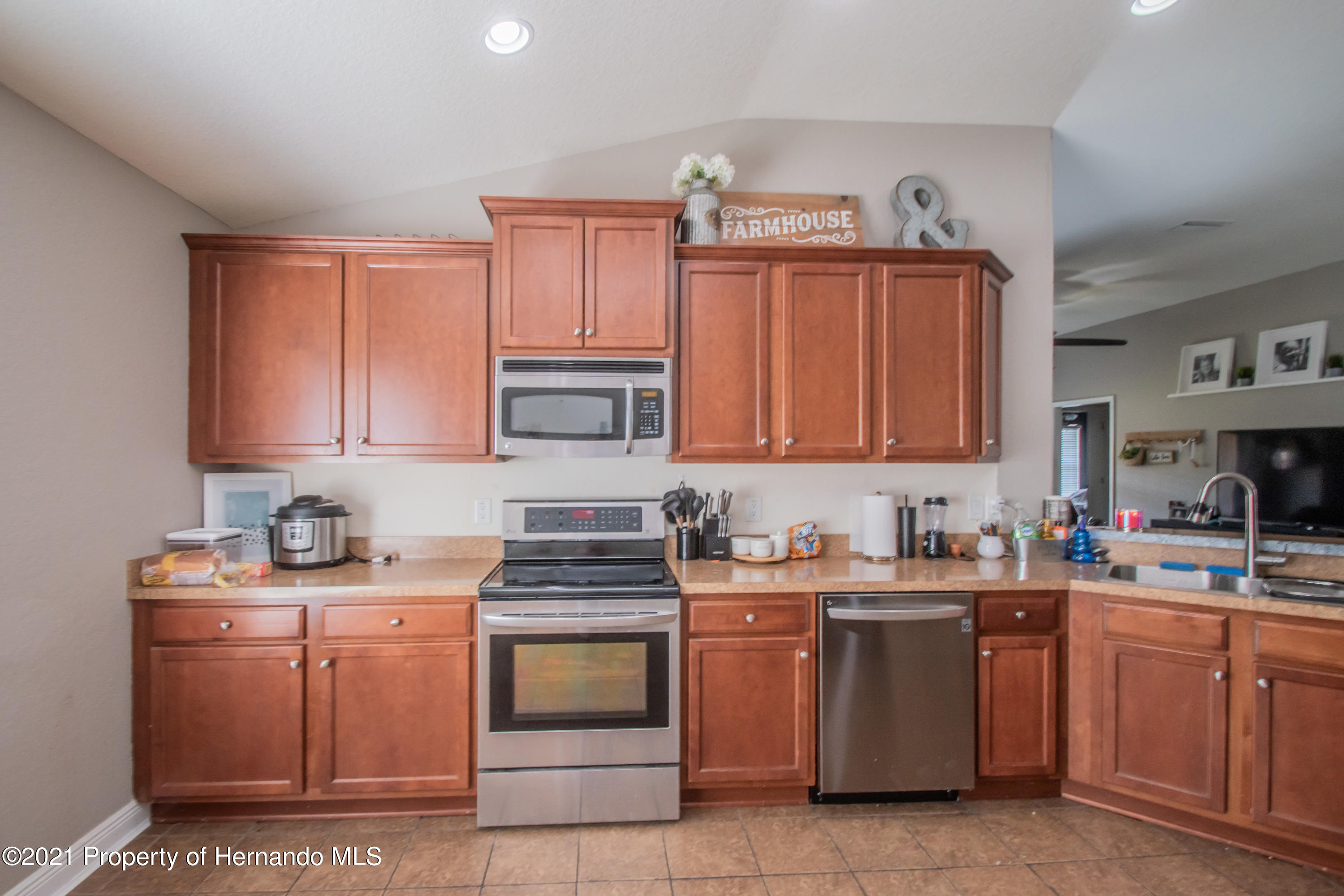 Listing photo id 14 for 31107 Water Lily Drive