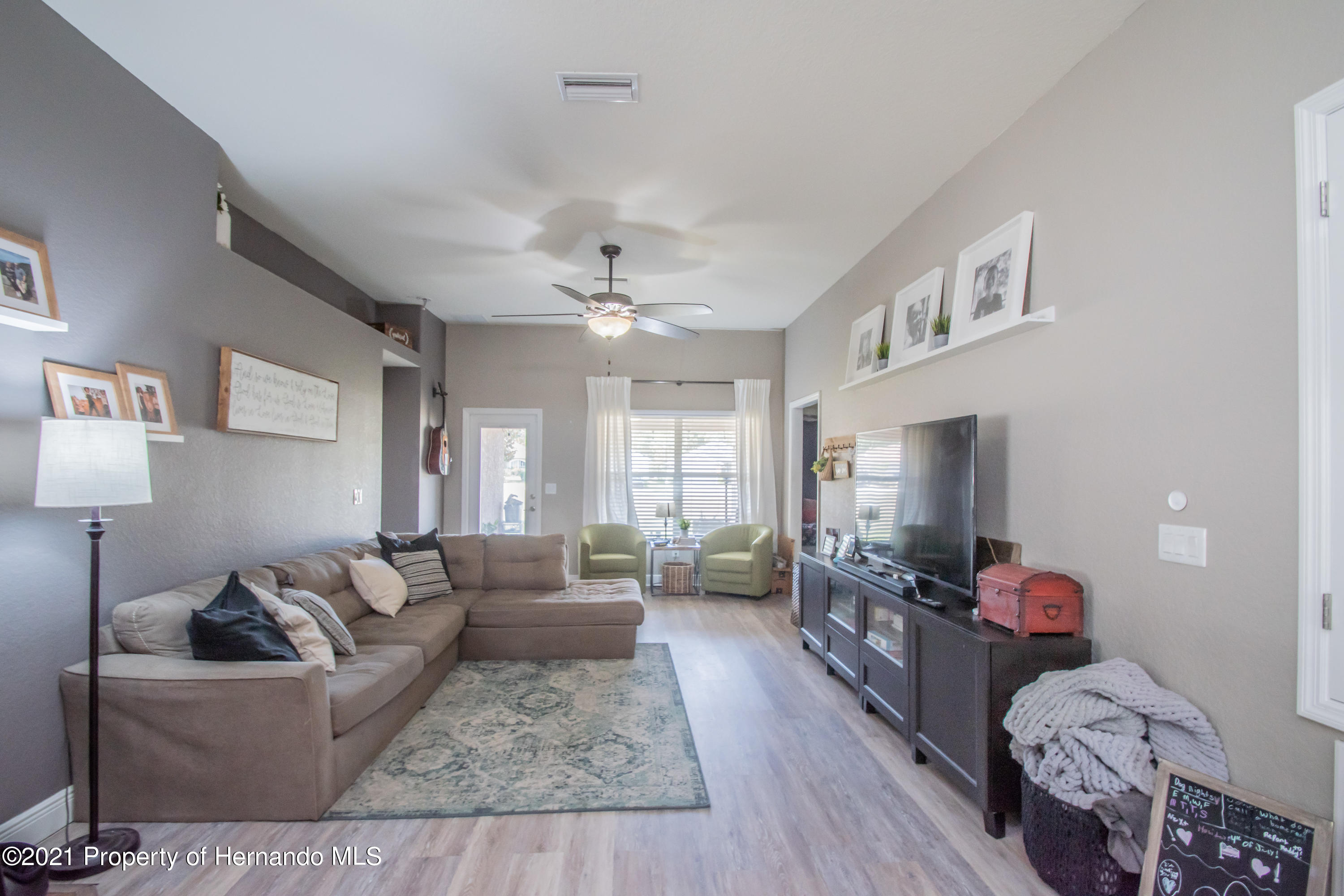 Listing photo id 15 for 31107 Water Lily Drive