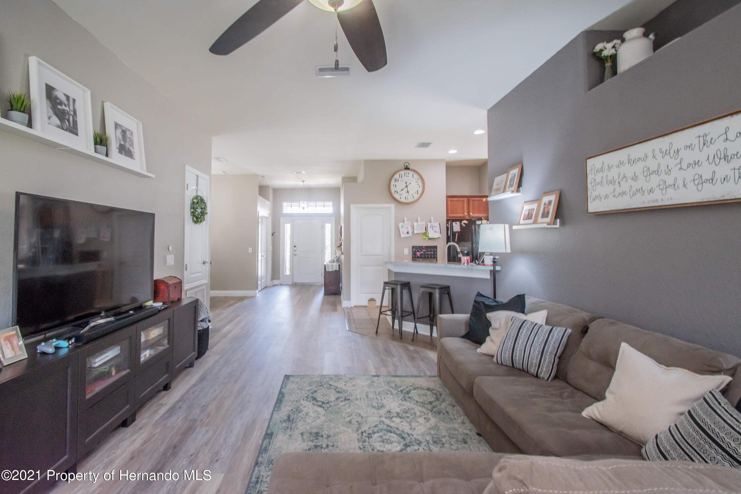 Listing photo id 16 for 31107 Water Lily Drive