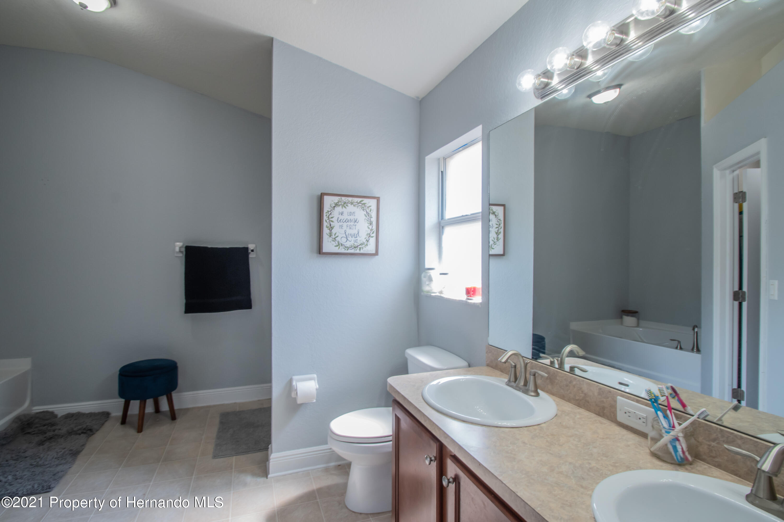 Listing photo id 22 for 31107 Water Lily Drive