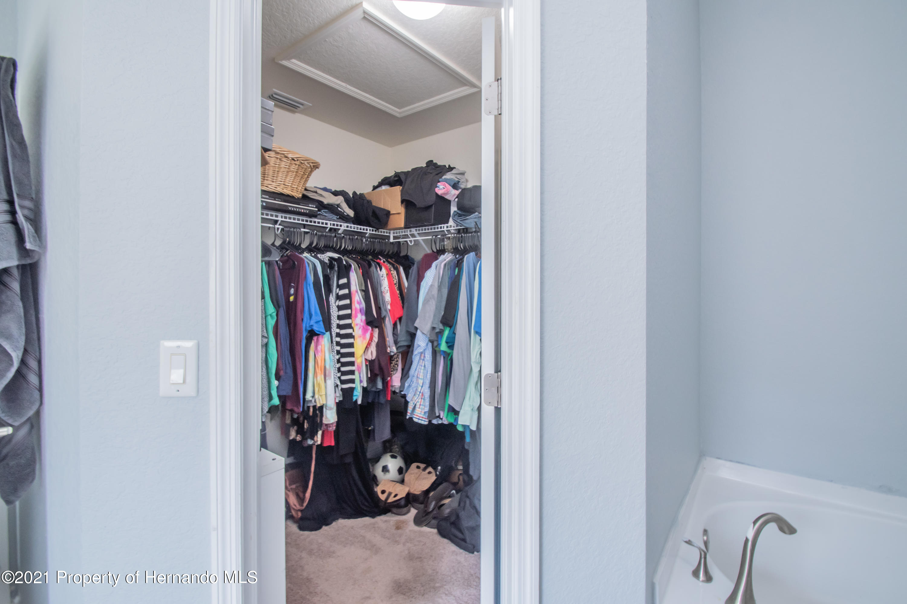 Listing photo id 26 for 31107 Water Lily Drive