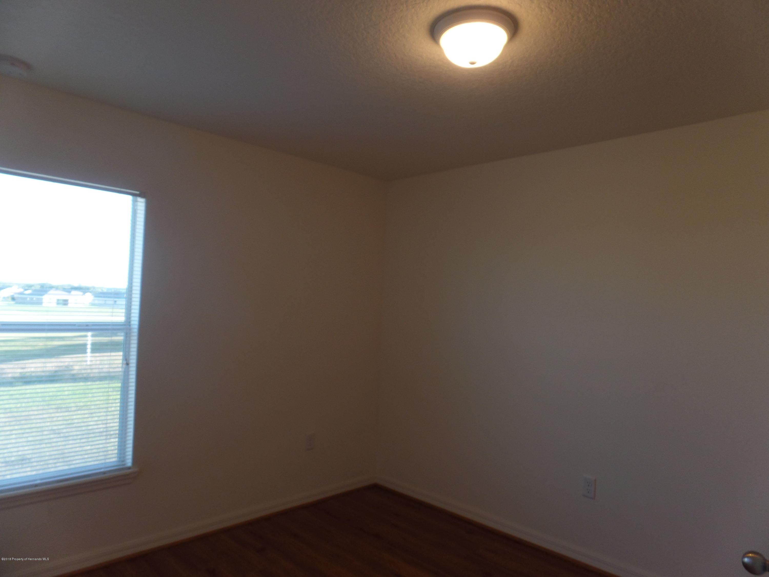 Listing photo id 23 for 30808 Water Lily Drive