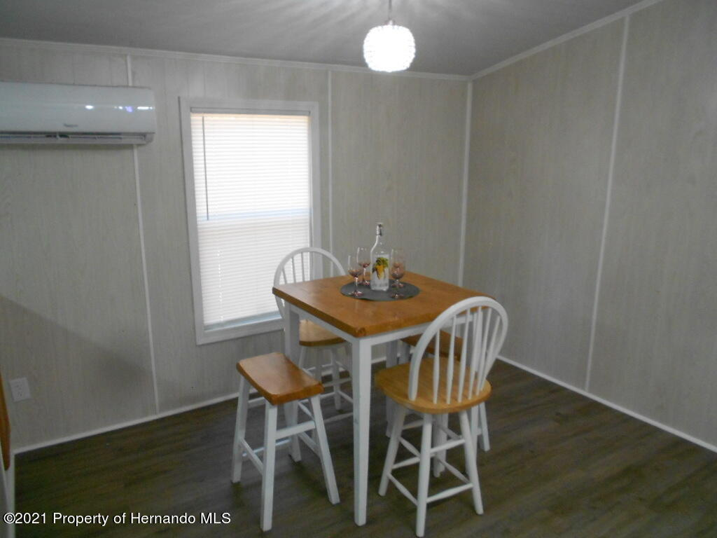 Listing photo id 5 for 16197 Appennine Drive