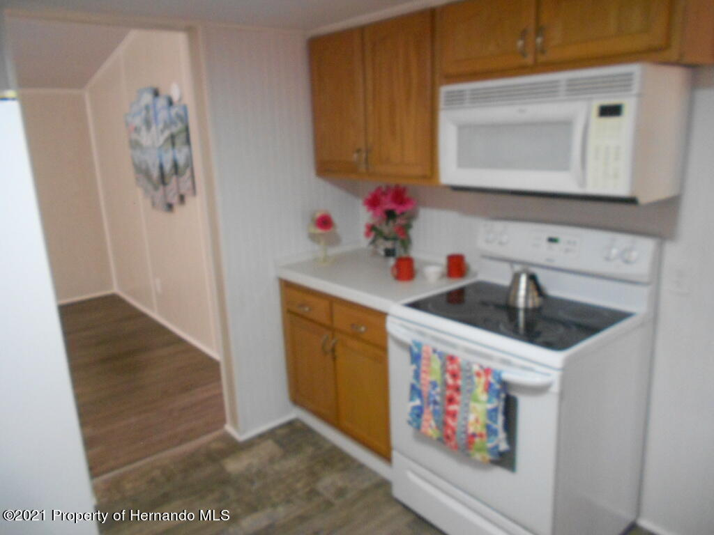 Listing photo id 8 for 16197 Appennine Drive