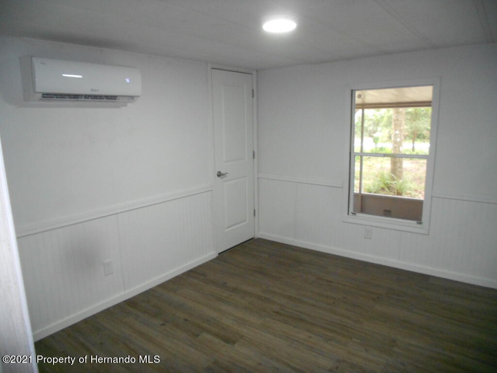 Listing photo id 10 for 16197 Appennine Drive