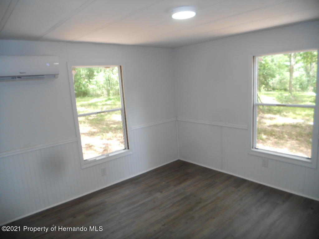 Listing photo id 11 for 16197 Appennine Drive