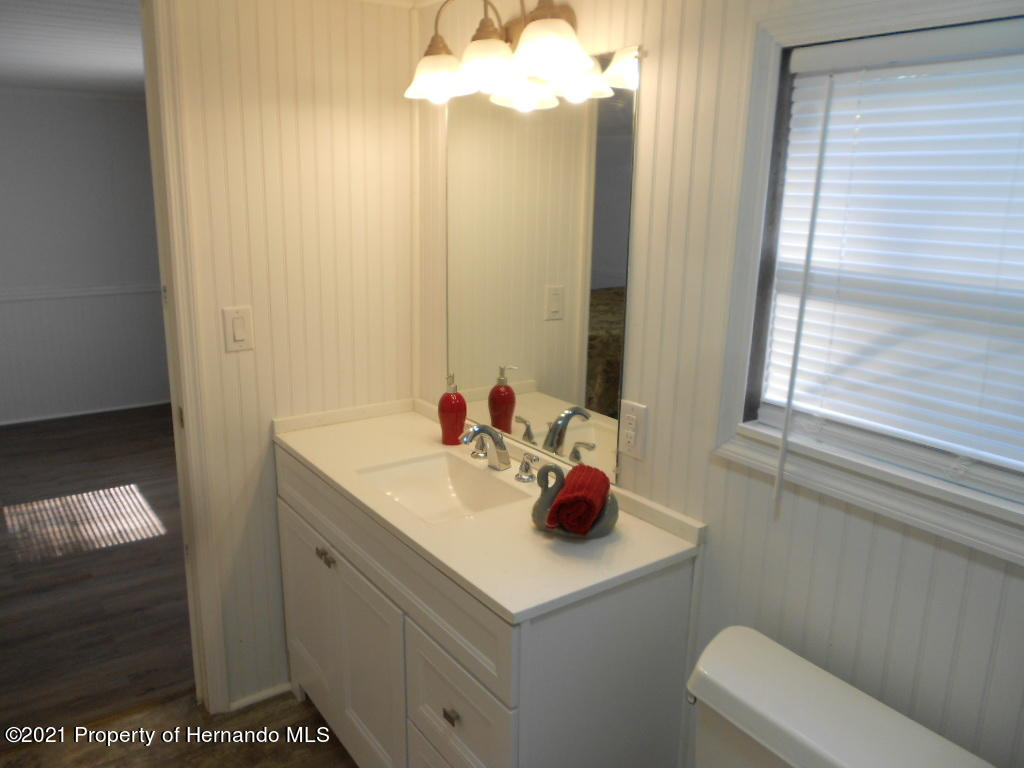 Listing photo id 13 for 16197 Appennine Drive
