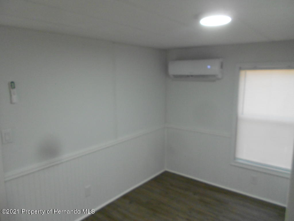 Listing photo id 23 for 16197 Appennine Drive