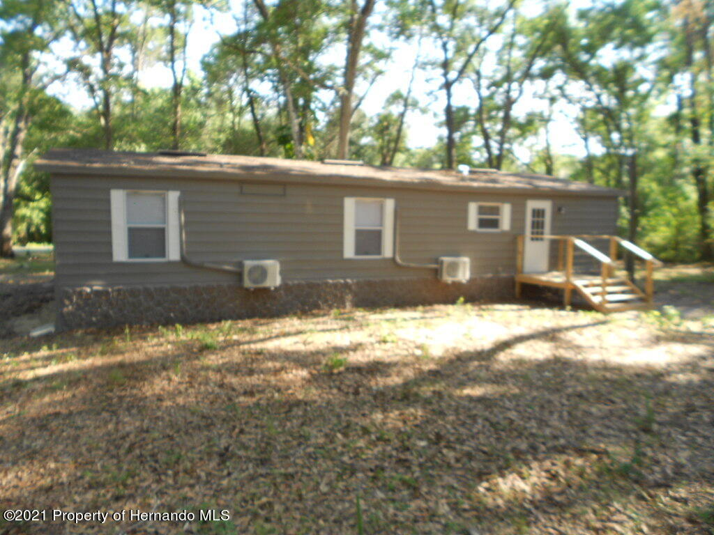 Listing photo id 30 for 16197 Appennine Drive