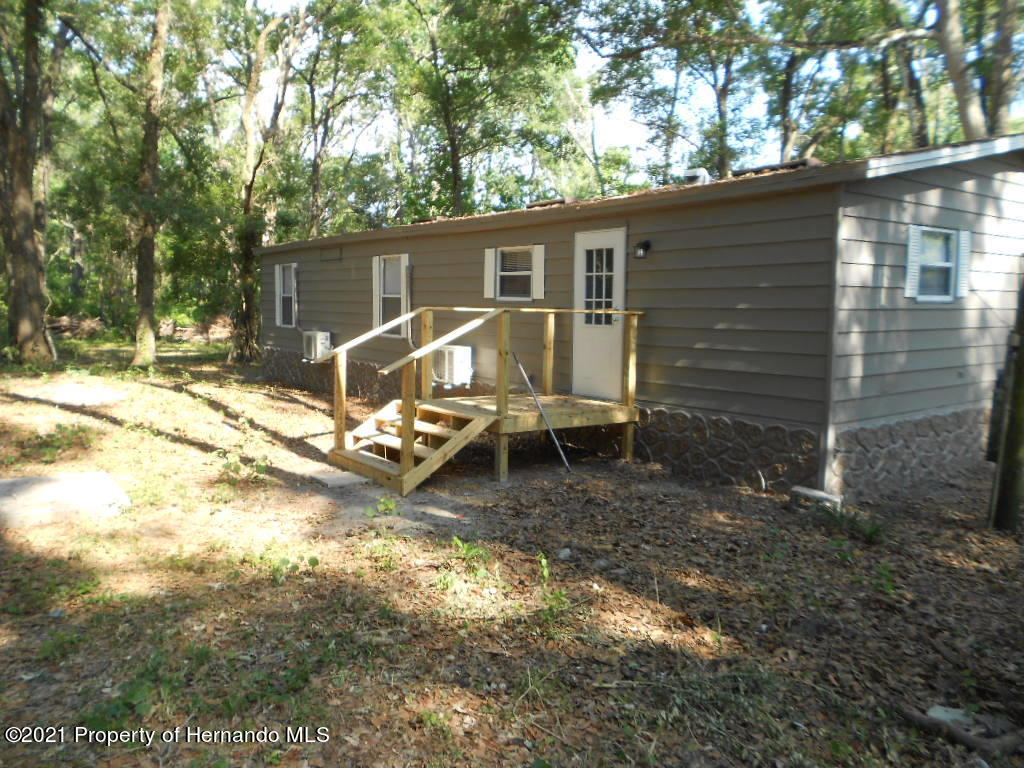 Listing photo id 32 for 16197 Appennine Drive