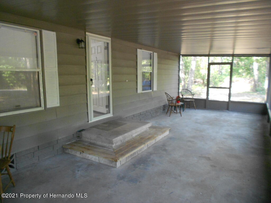 Listing photo id 34 for 16197 Appennine Drive
