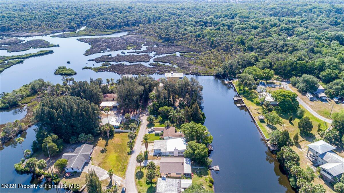 Listing photo id 37 for 3186 Gulf Drive
