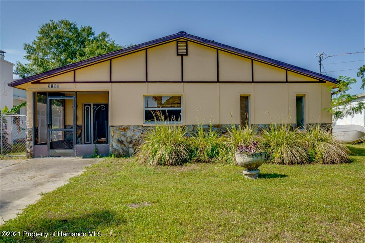 Listing photo id 3 for 3186 Gulf Drive