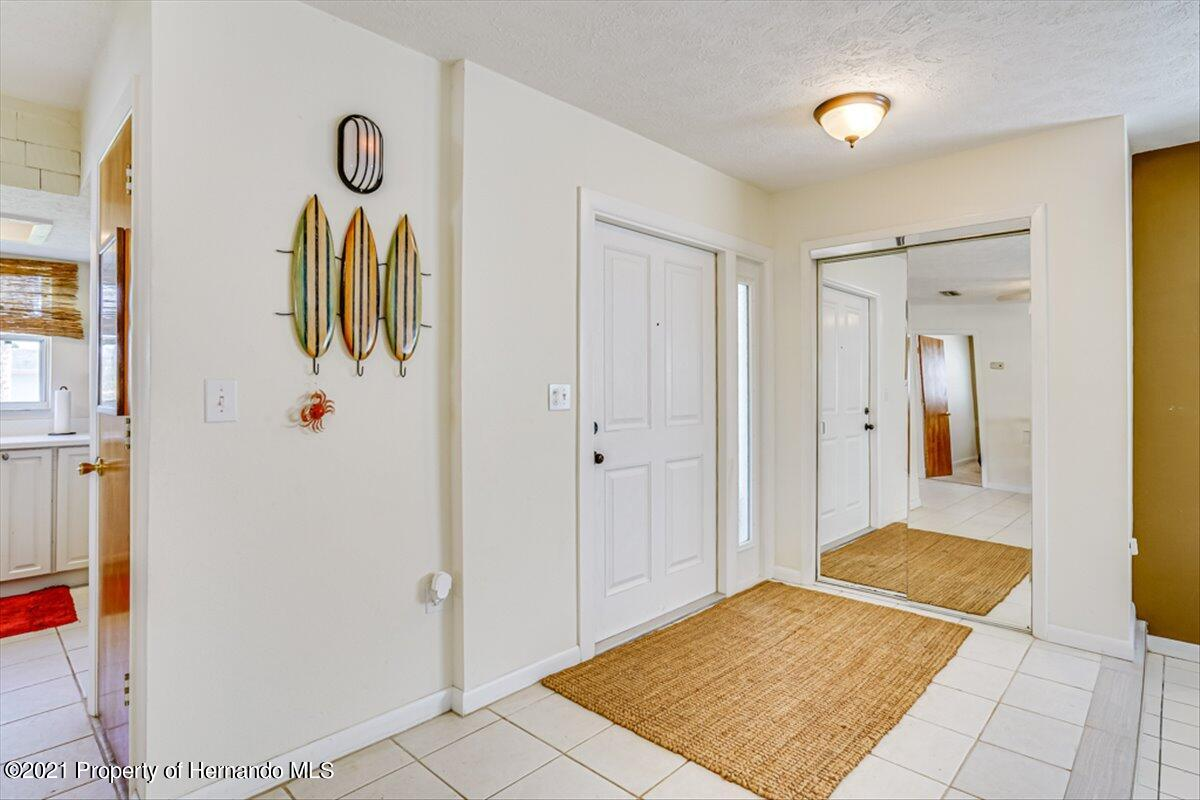 Listing photo id 6 for 3186 Gulf Drive