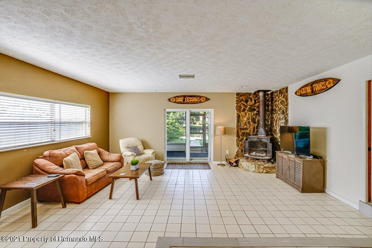 Listing photo id 9 for 3186 Gulf Drive