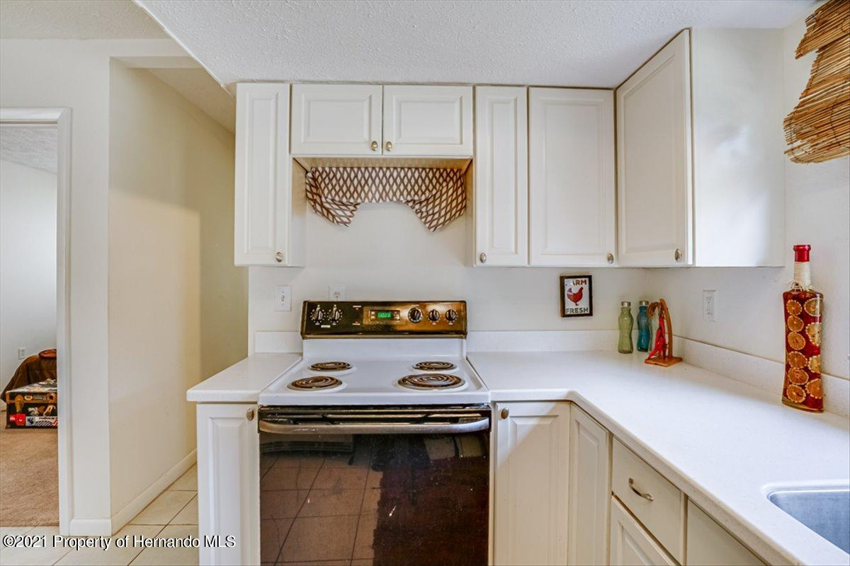 Listing photo id 15 for 3186 Gulf Drive