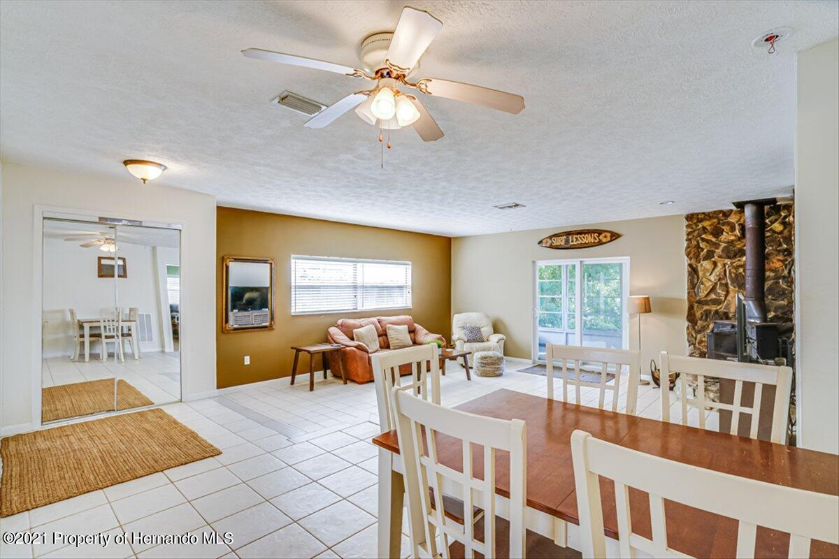 Listing photo id 17 for 3186 Gulf Drive