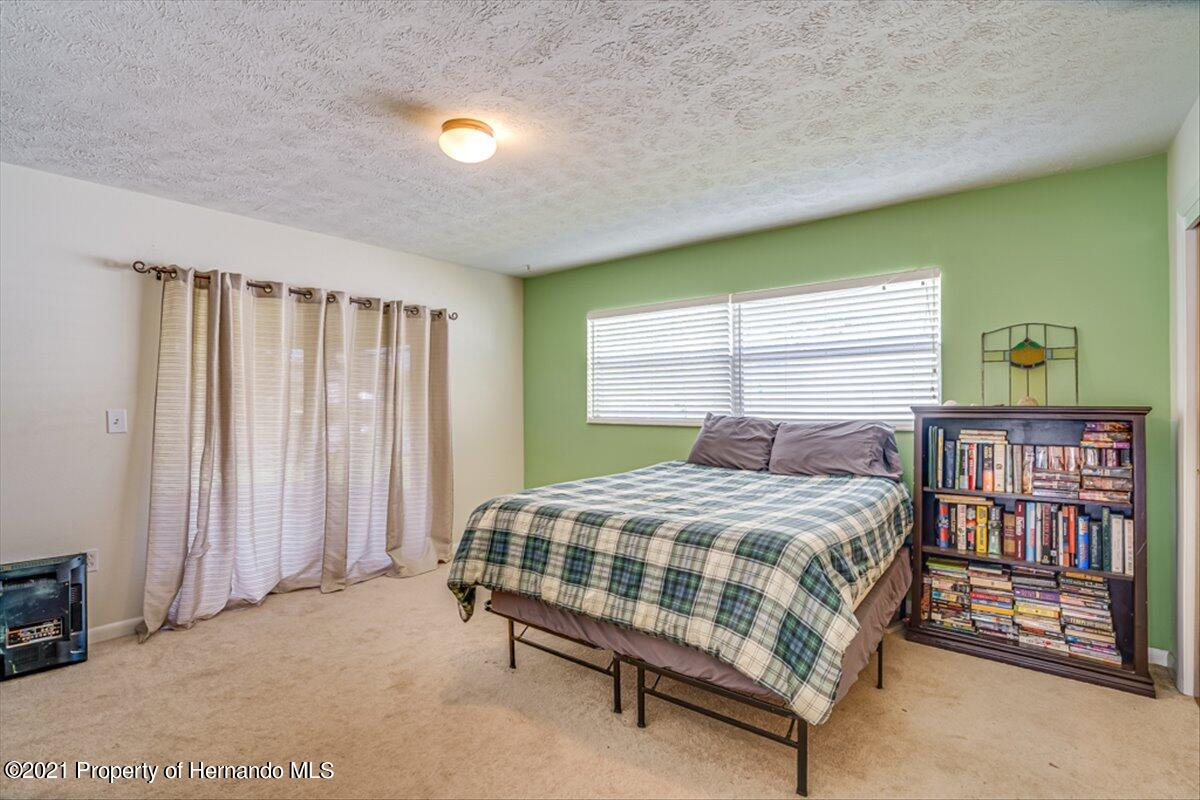 Listing photo id 18 for 3186 Gulf Drive