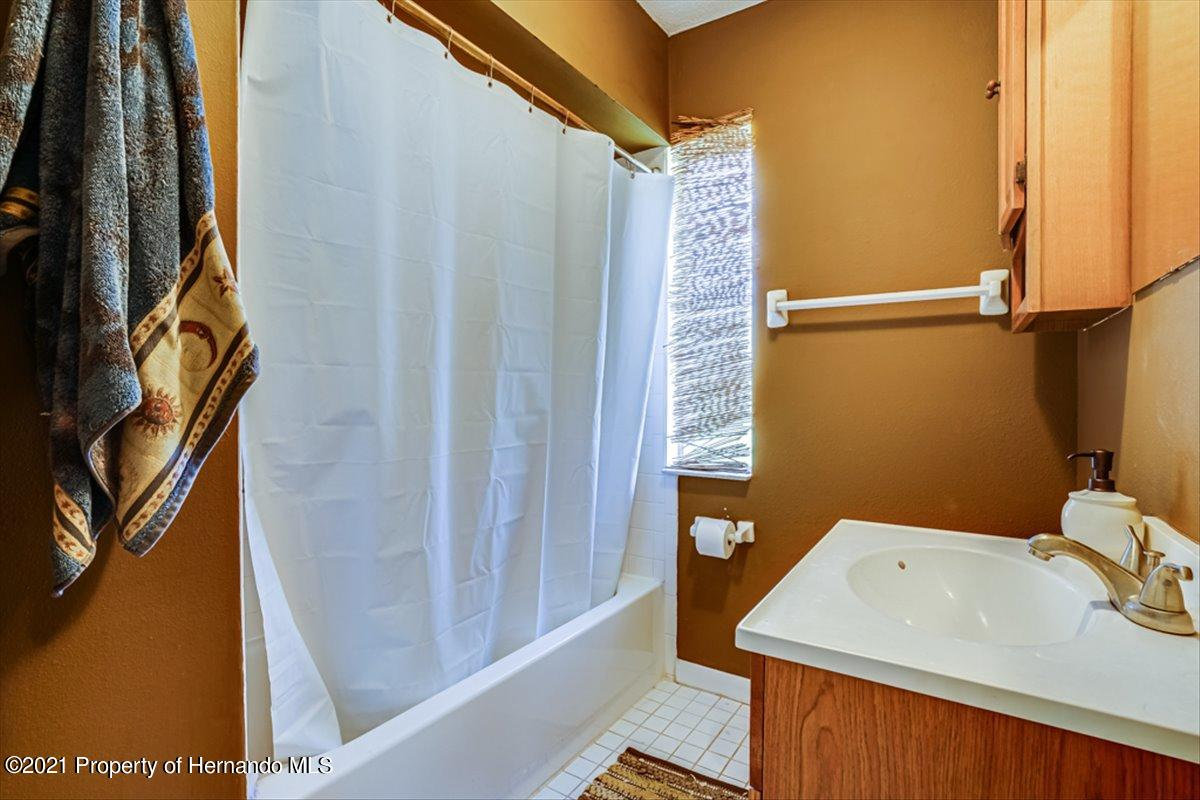 Listing photo id 24 for 3186 Gulf Drive