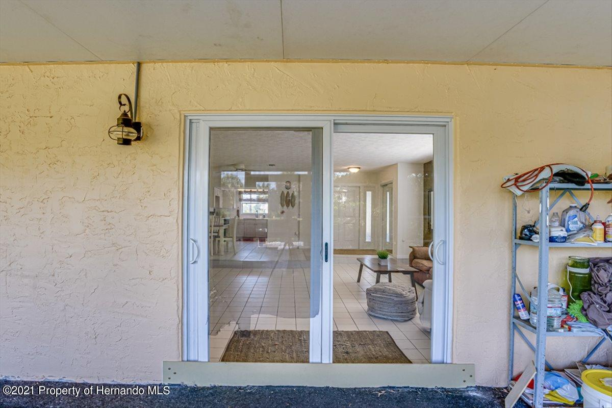 Listing photo id 28 for 3186 Gulf Drive