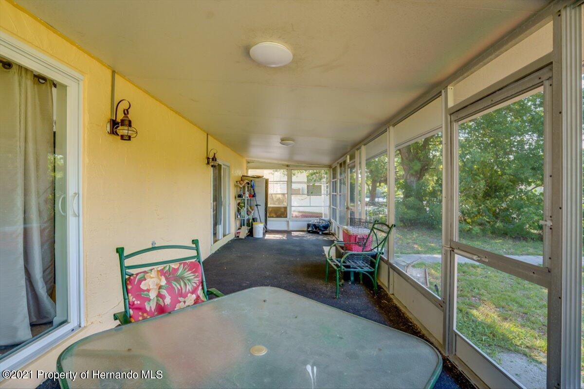 Listing photo id 29 for 3186 Gulf Drive