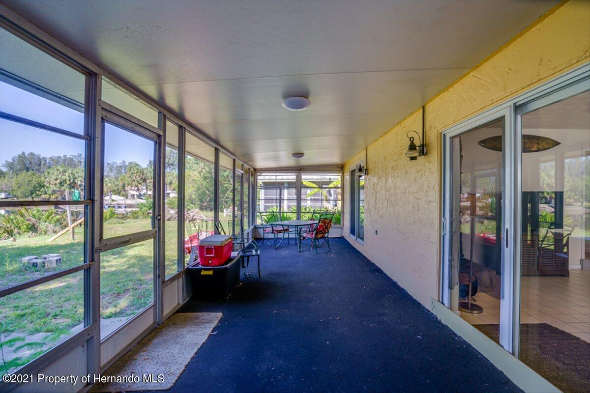 Listing photo id 30 for 3186 Gulf Drive