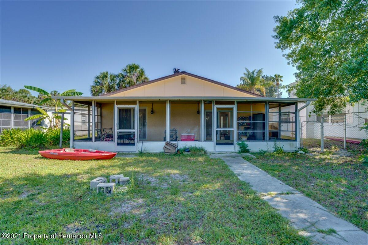 Listing photo id 32 for 3186 Gulf Drive