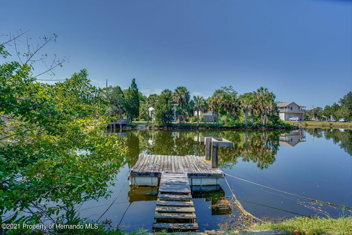 Listing photo id 34 for 3186 Gulf Drive