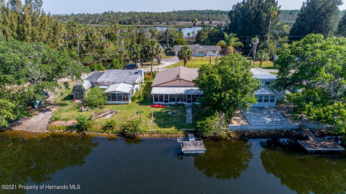 Listing photo id 35 for 3186 Gulf Drive