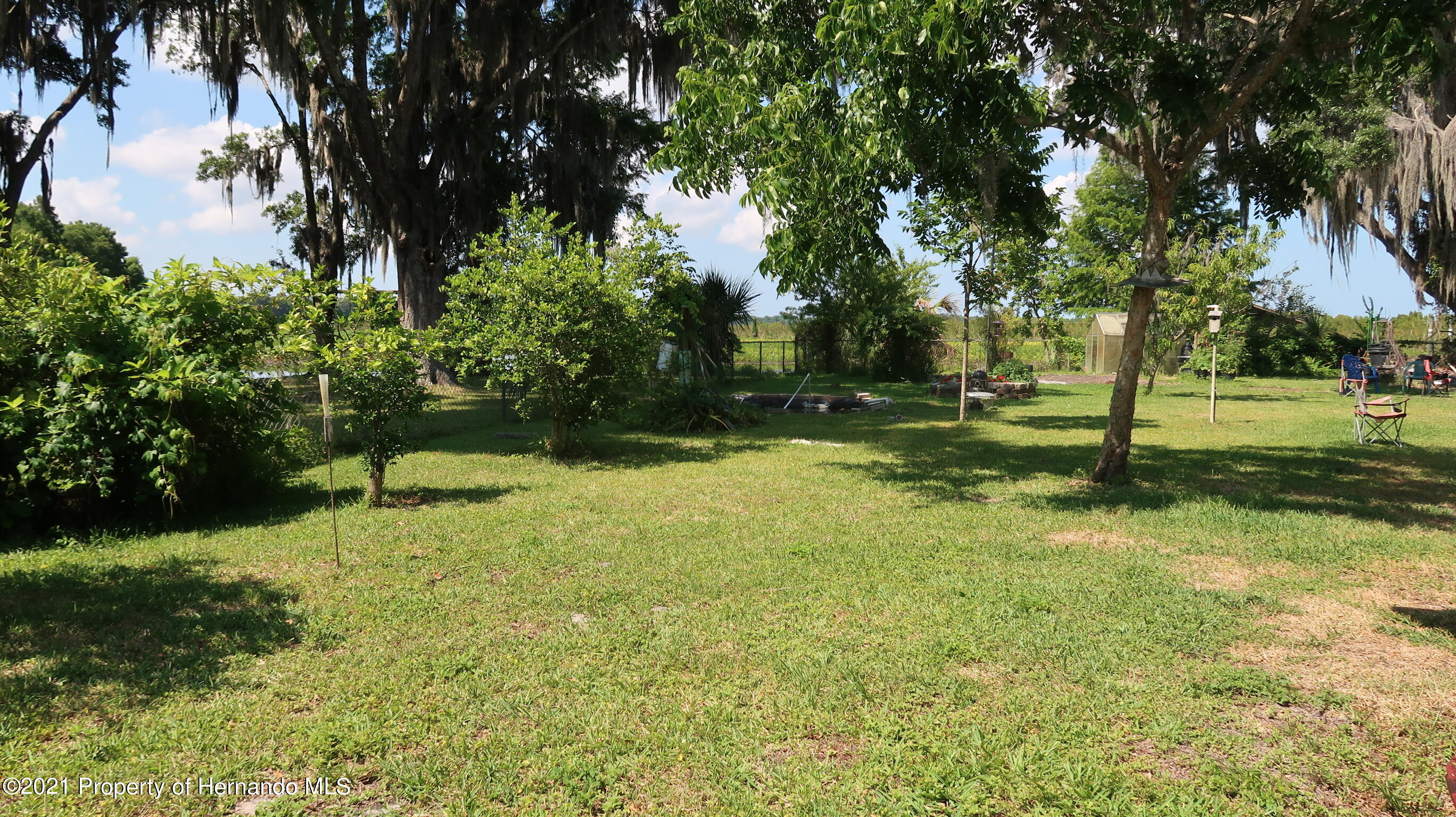 Listing photo id 23 for 7939 W Riverbend Road