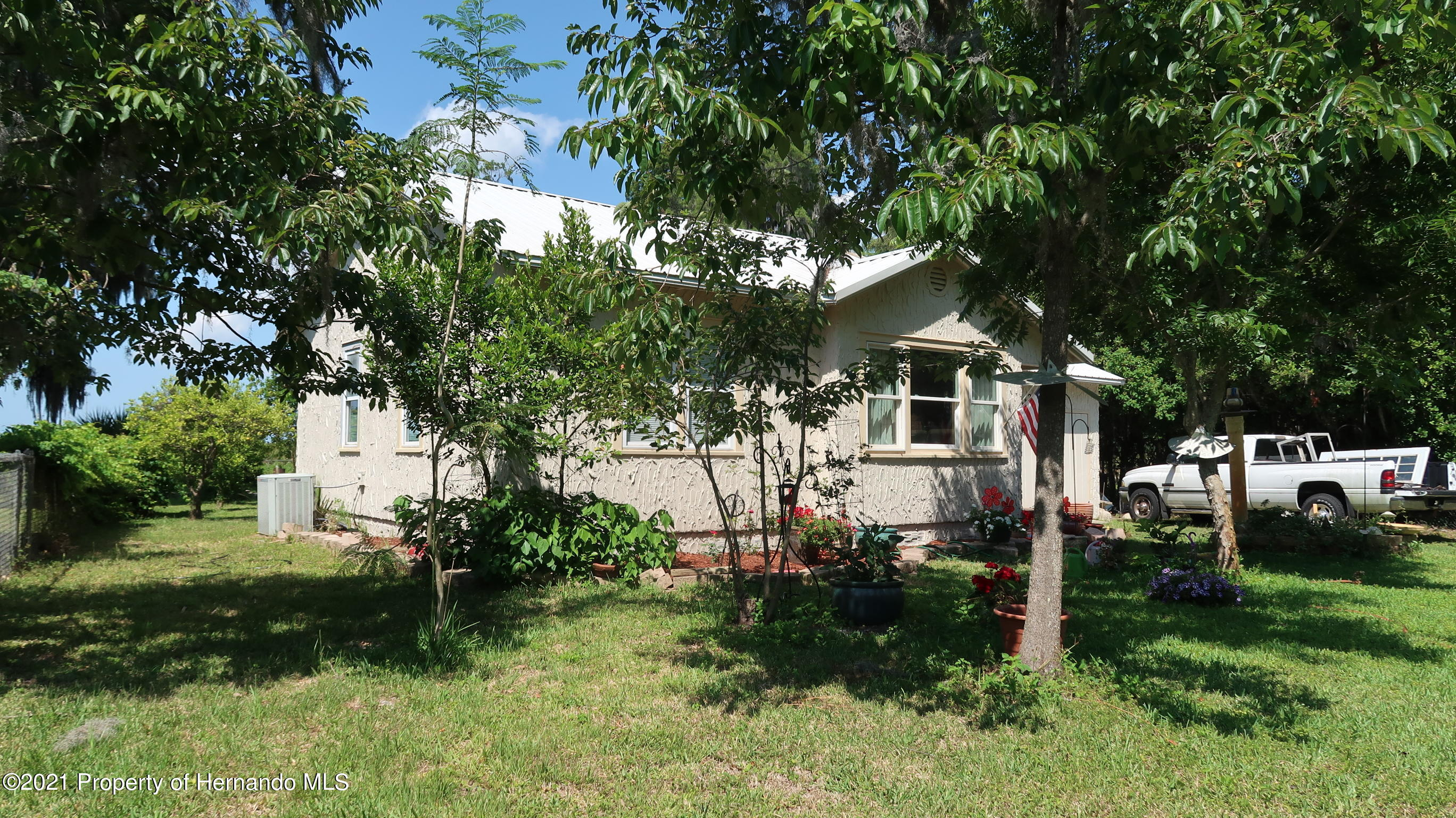 Listing photo id 27 for 7939 W Riverbend Road