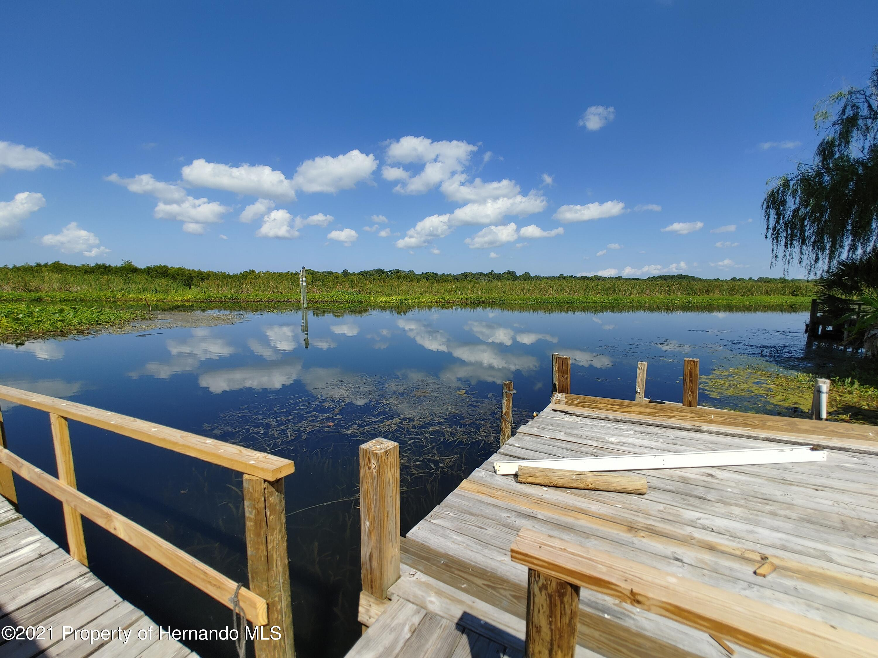Listing photo id 31 for 7939 W Riverbend Road
