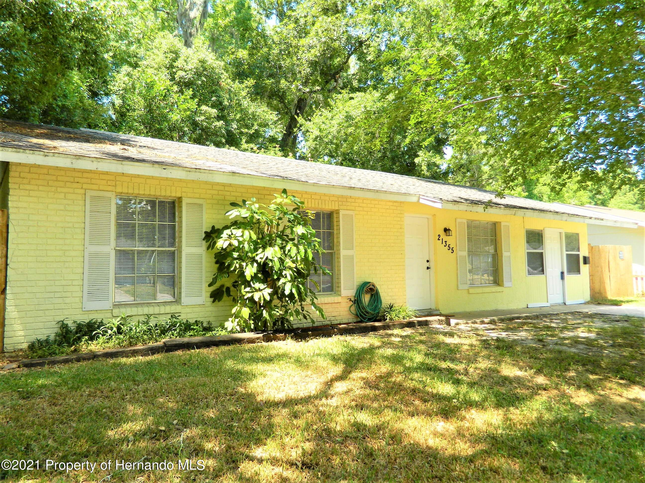 Listing photo id 2 for 21355 Lincoln Road