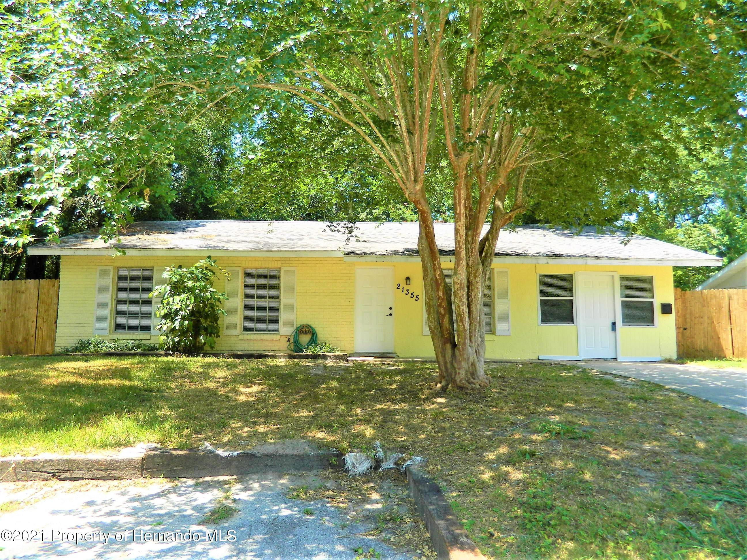 Listing photo id 32 for 21355 Lincoln Road