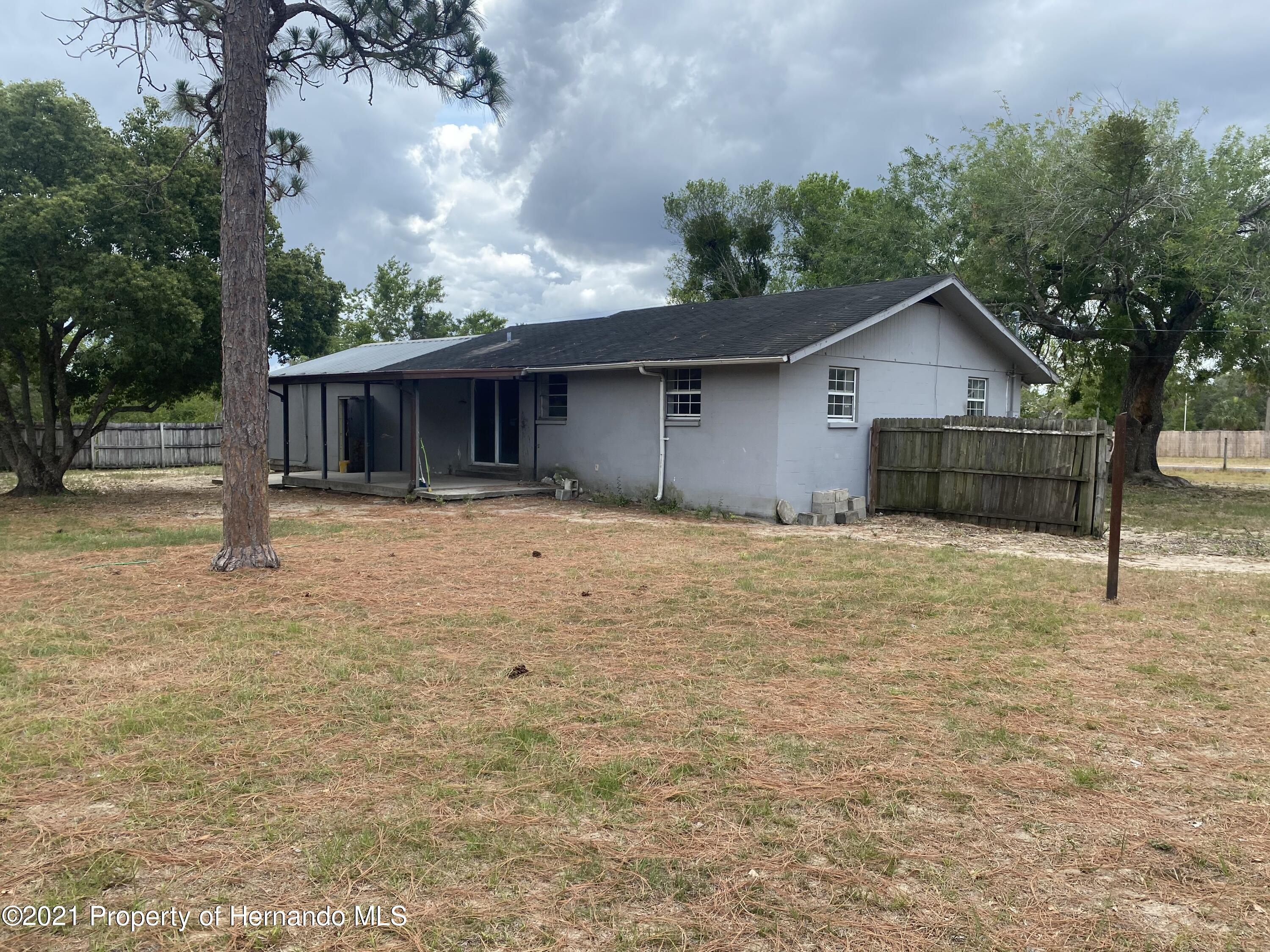 Listing photo id 5 for 13247 Star Road