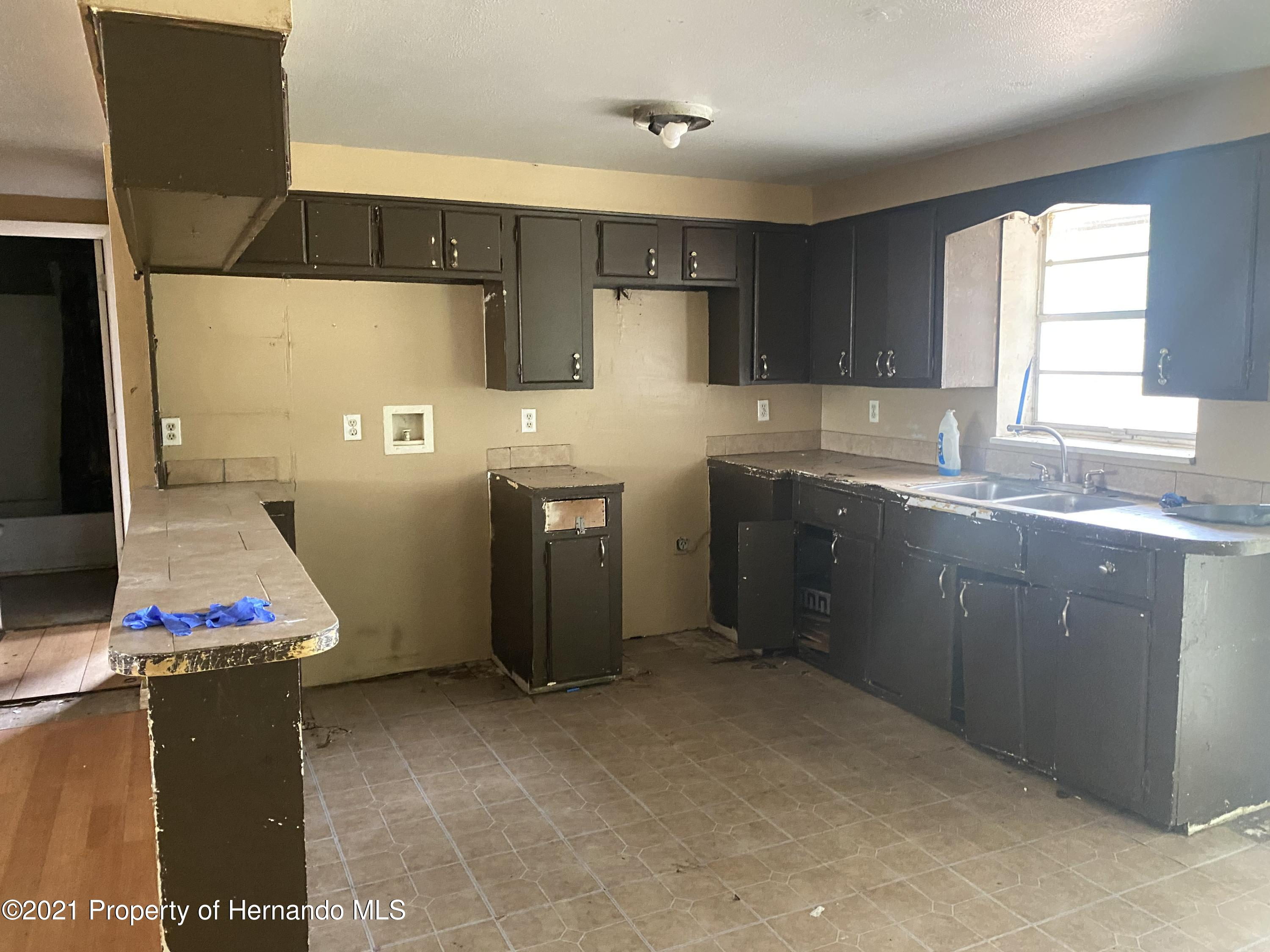 Listing photo id 7 for 13247 Star Road