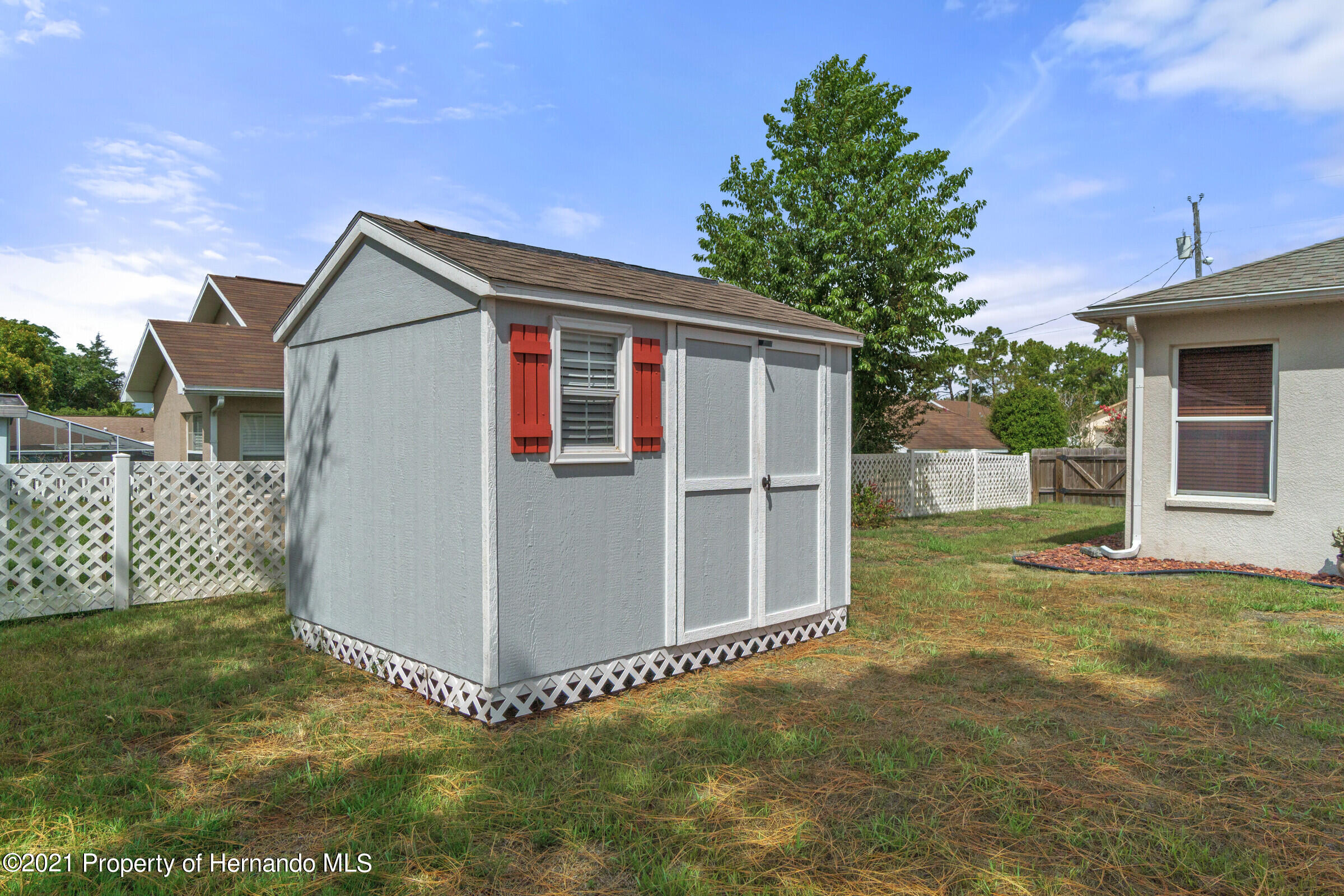 Listing photo id 21 for 5186 Roble Avenue