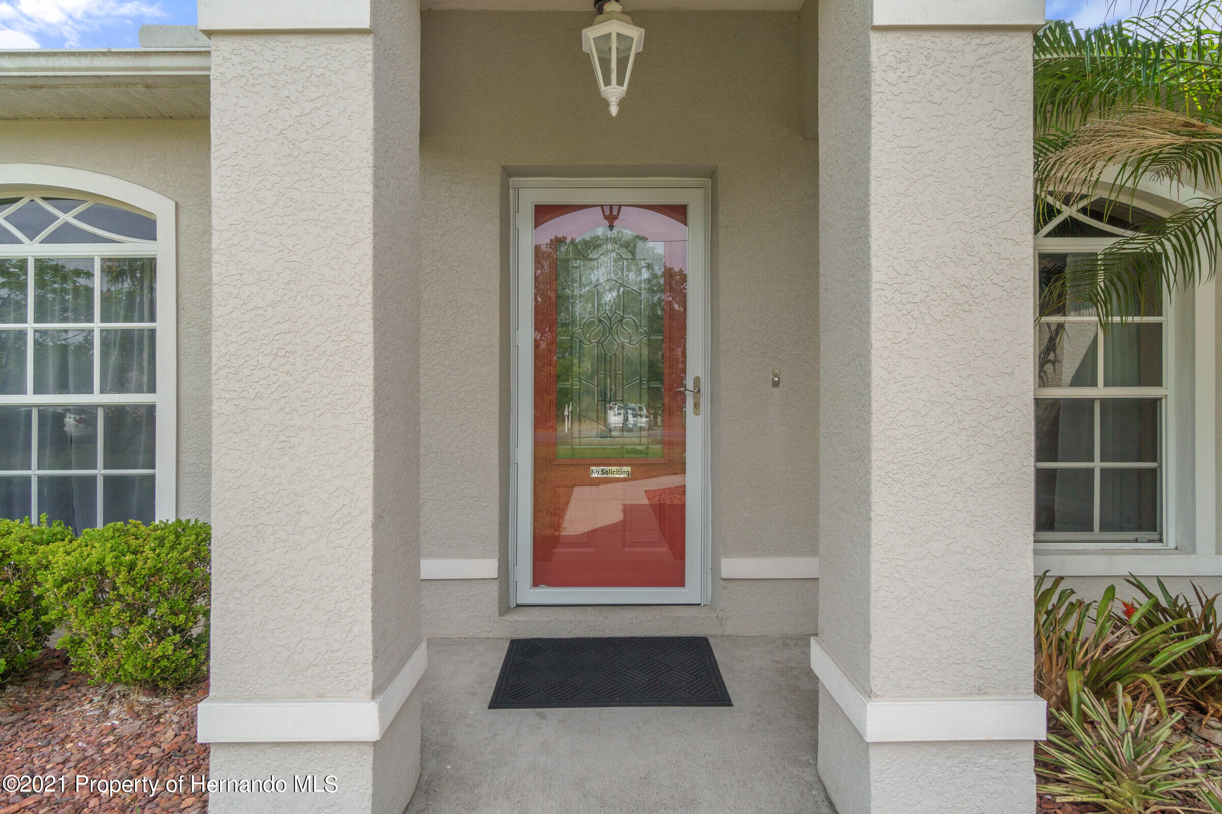 Listing photo id 2 for 5186 Roble Avenue