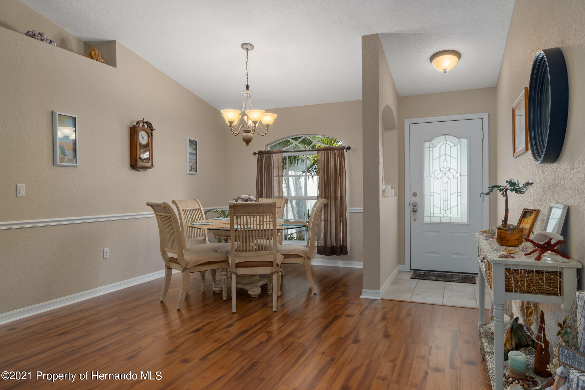 Listing photo id 3 for 5186 Roble Avenue