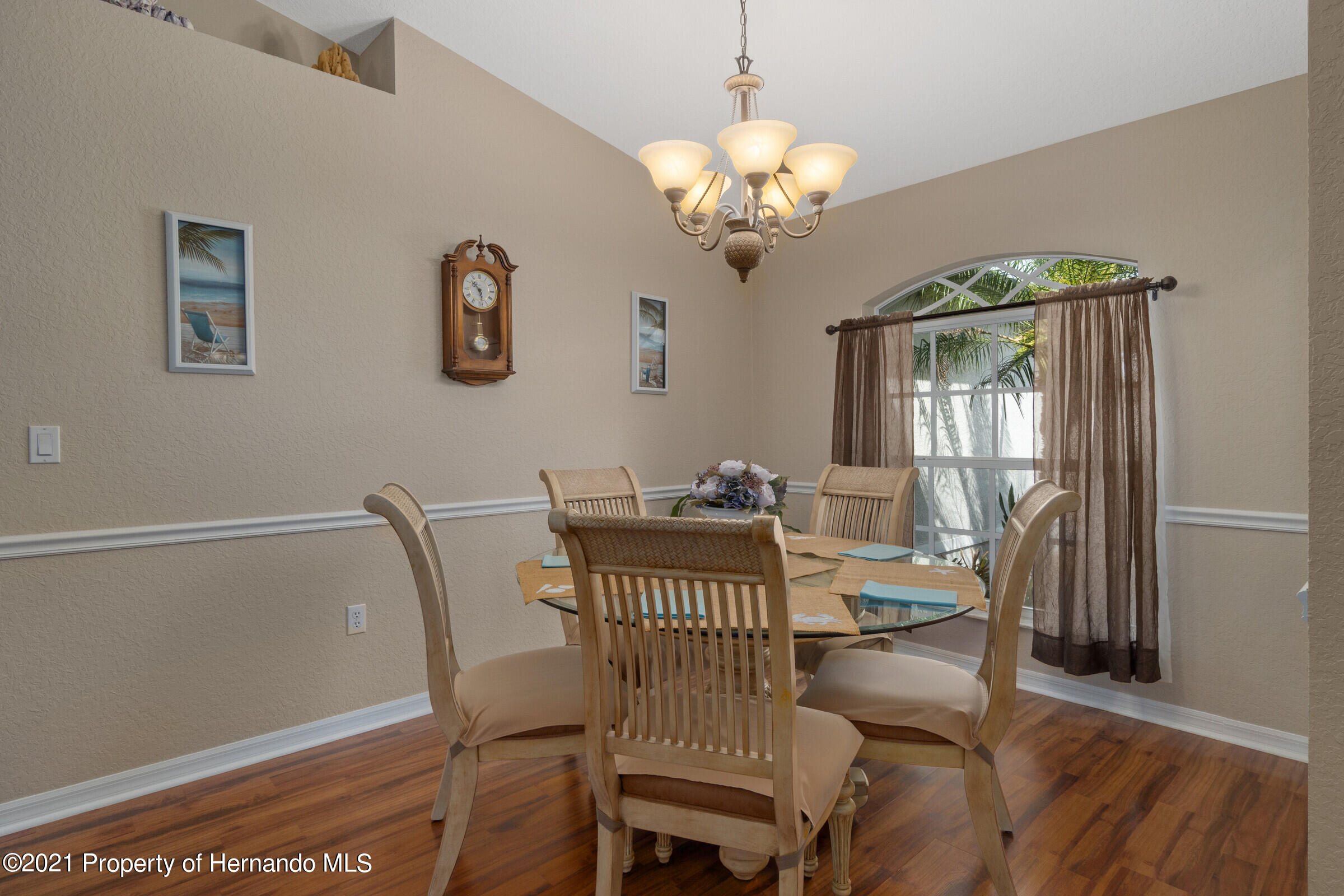 Listing photo id 4 for 5186 Roble Avenue