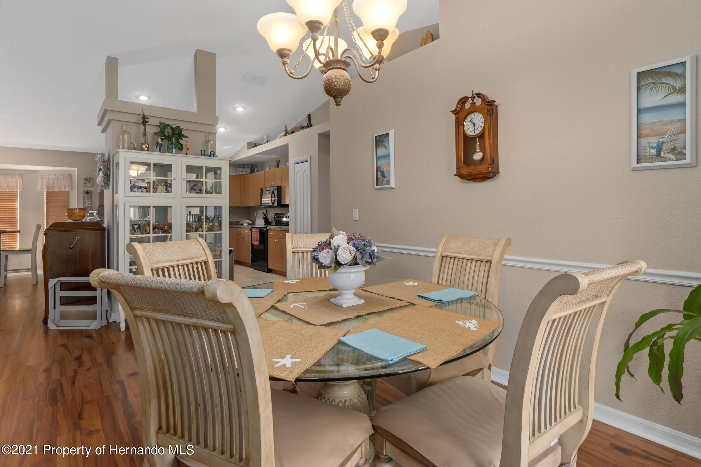 Listing photo id 5 for 5186 Roble Avenue