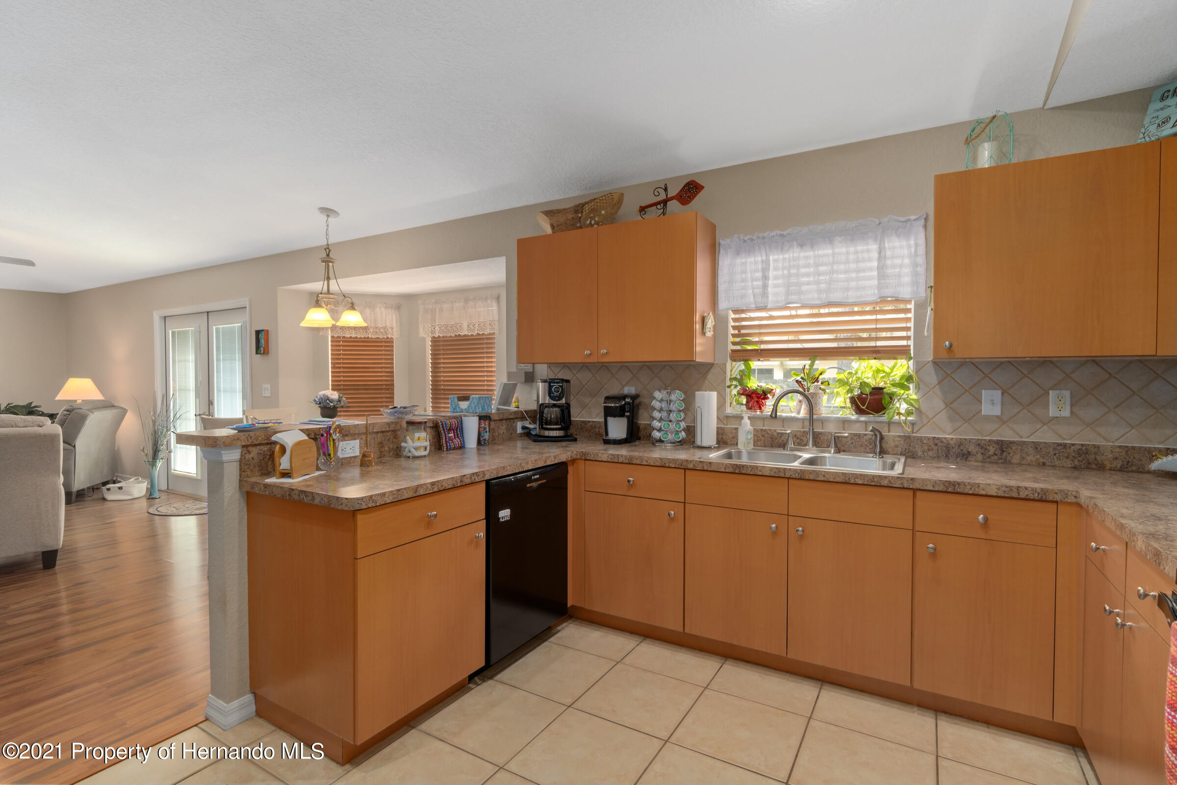 Listing photo id 8 for 5186 Roble Avenue