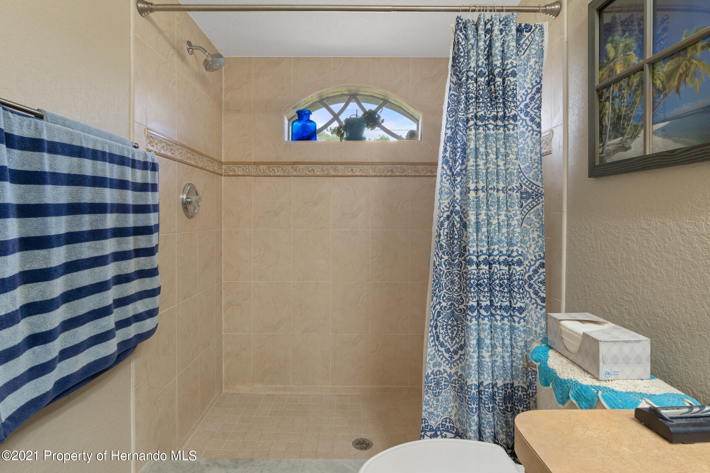 Listing photo id 14 for 5186 Roble Avenue