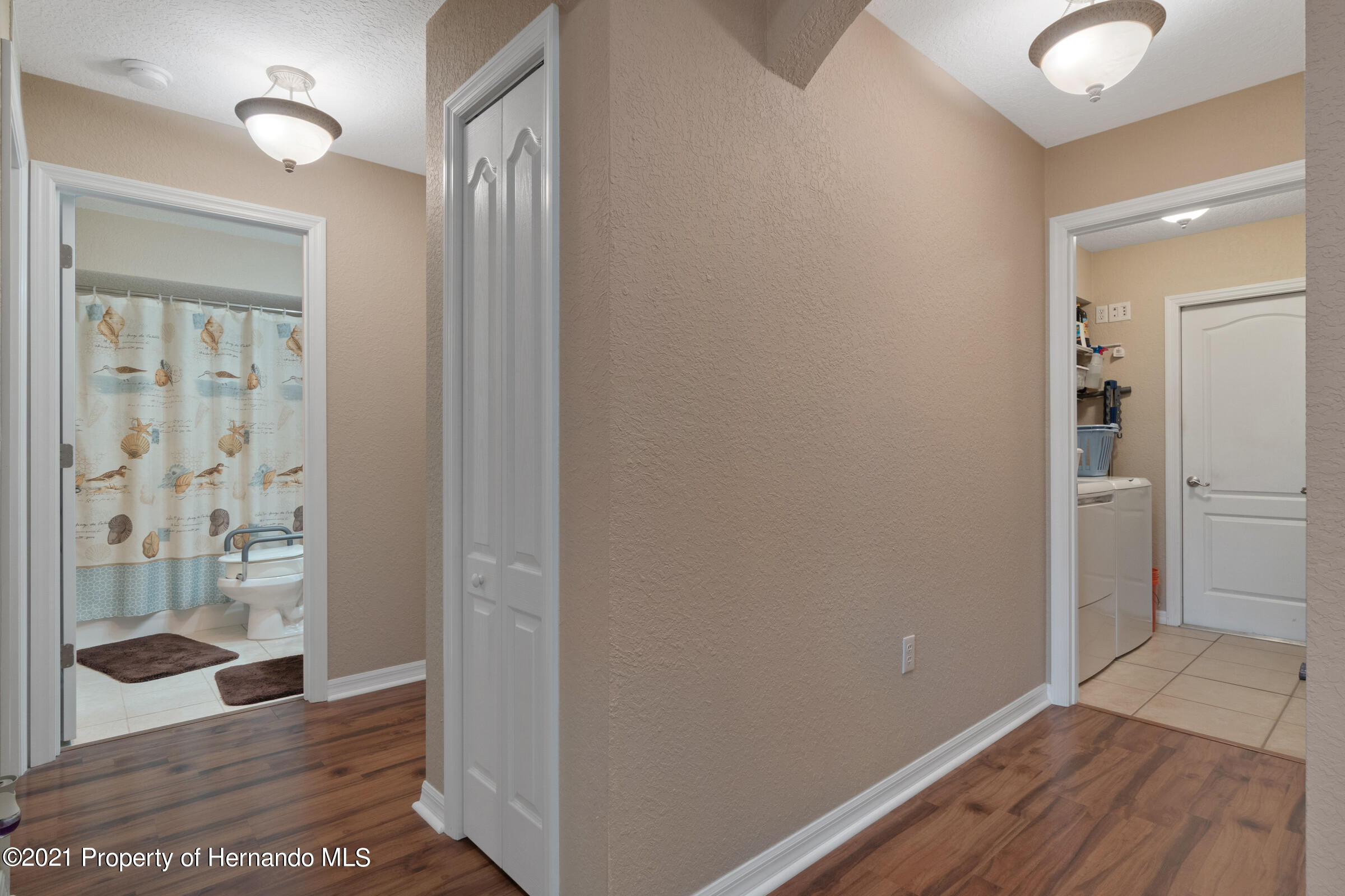 Listing photo id 15 for 5186 Roble Avenue