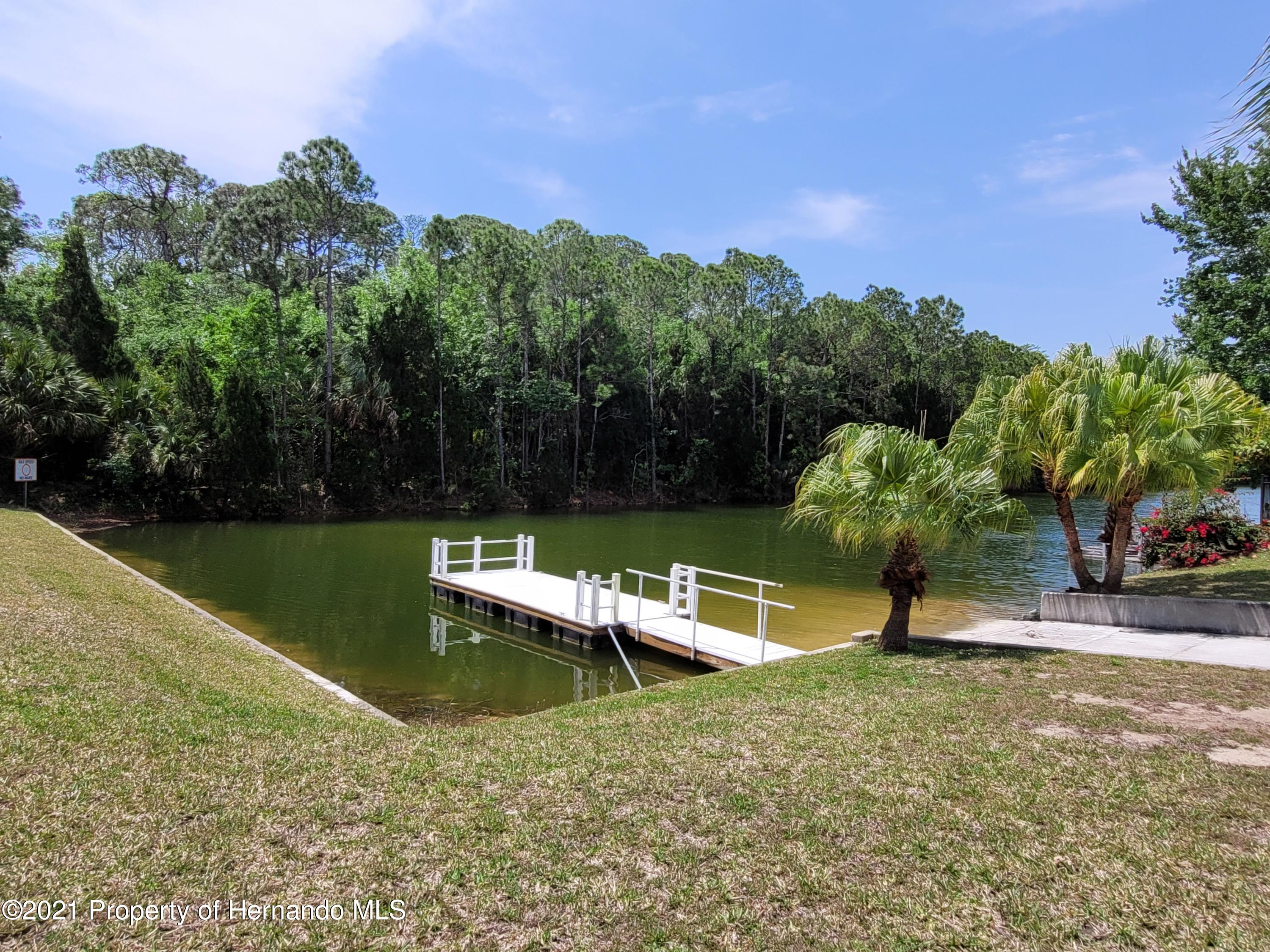 Listing photo id 14 for 0 Croaker Drive