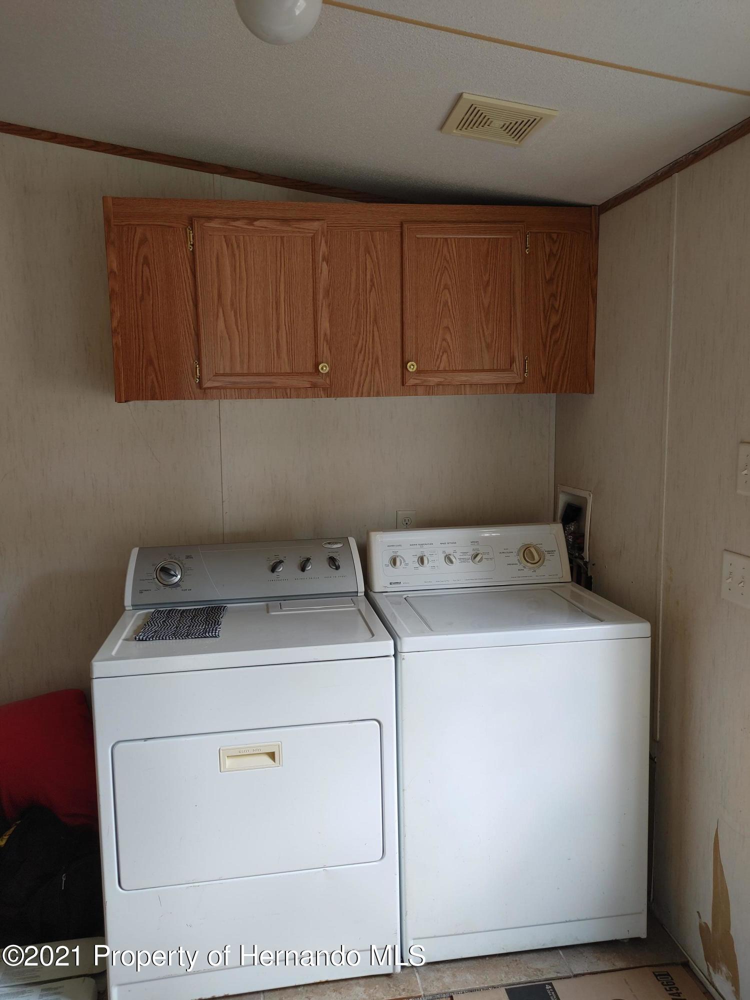 Listing photo id 44 for 11148 Kansas Road
