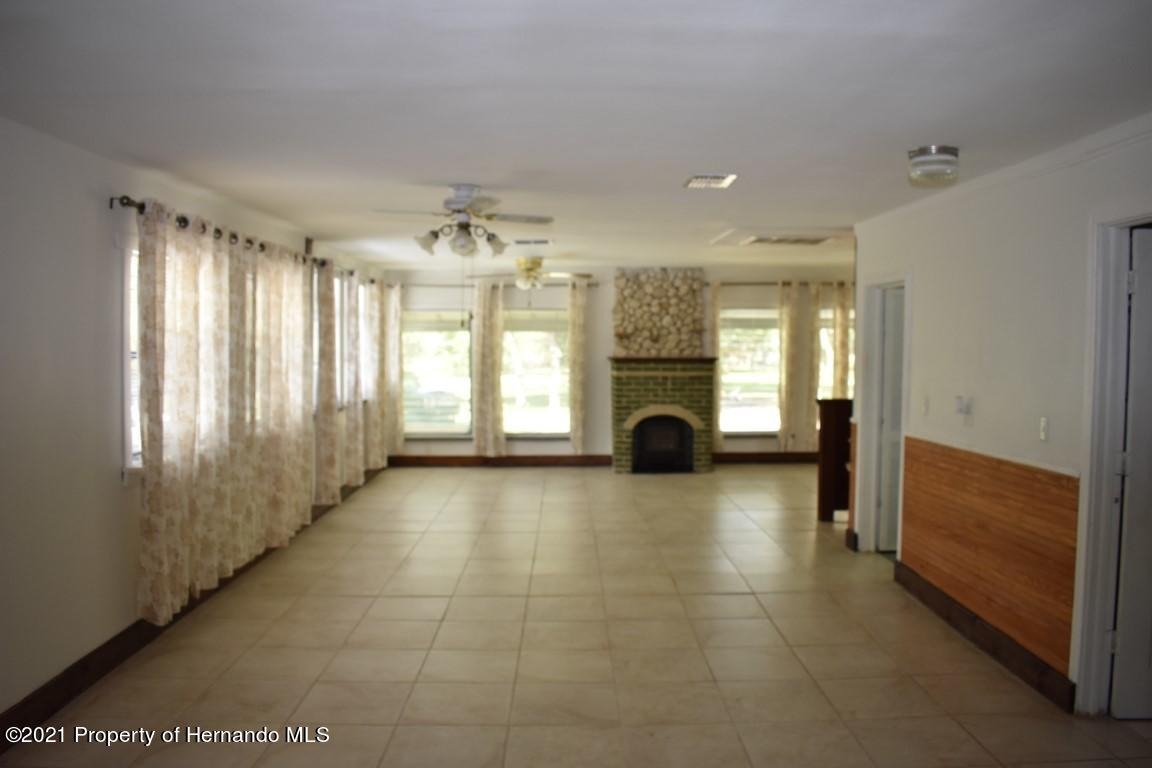 Listing photo id 42 for 12386 Hickman Avenue