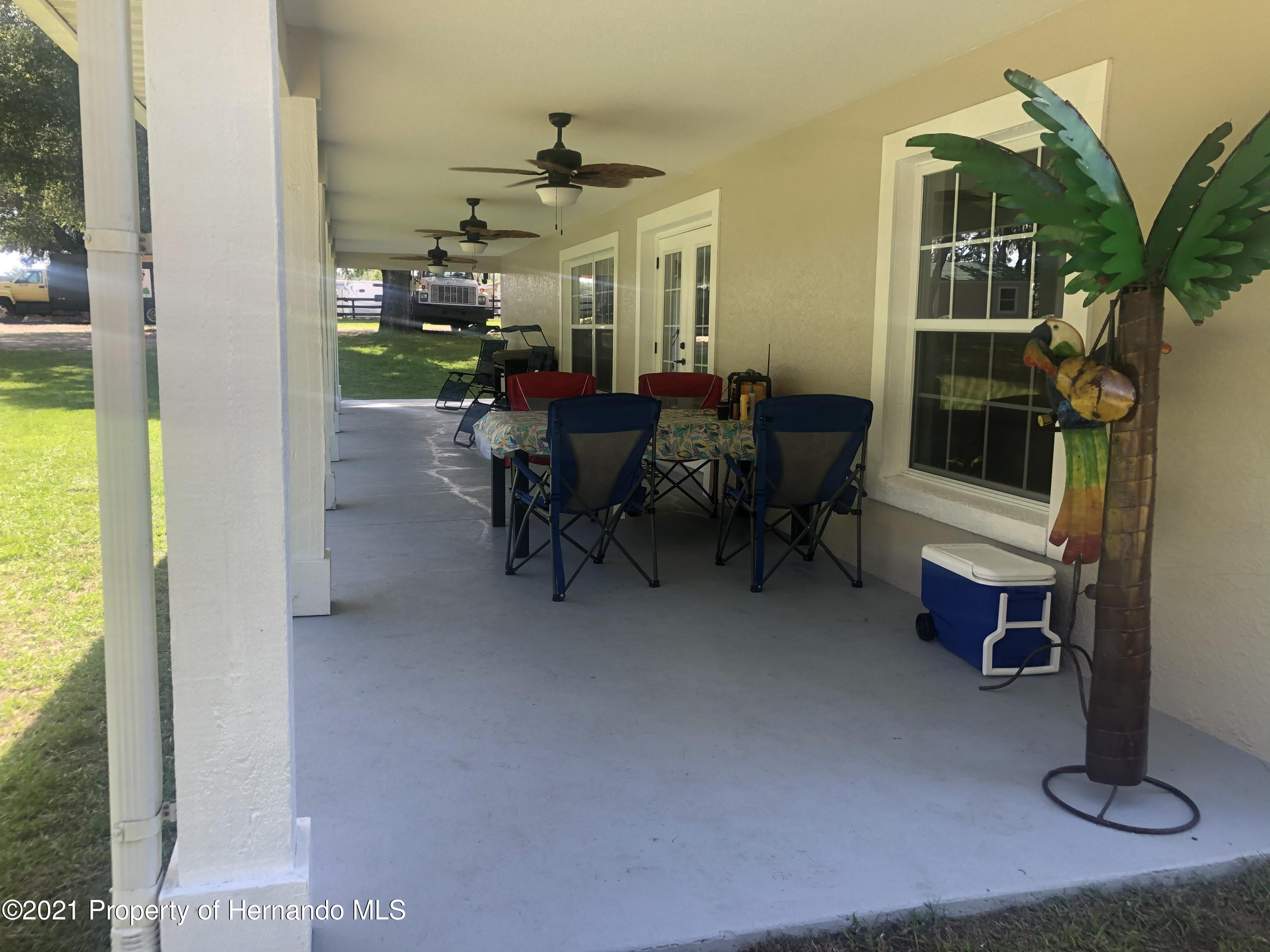 Listing photo id 23 for 7910 E Derby Oaks Drive