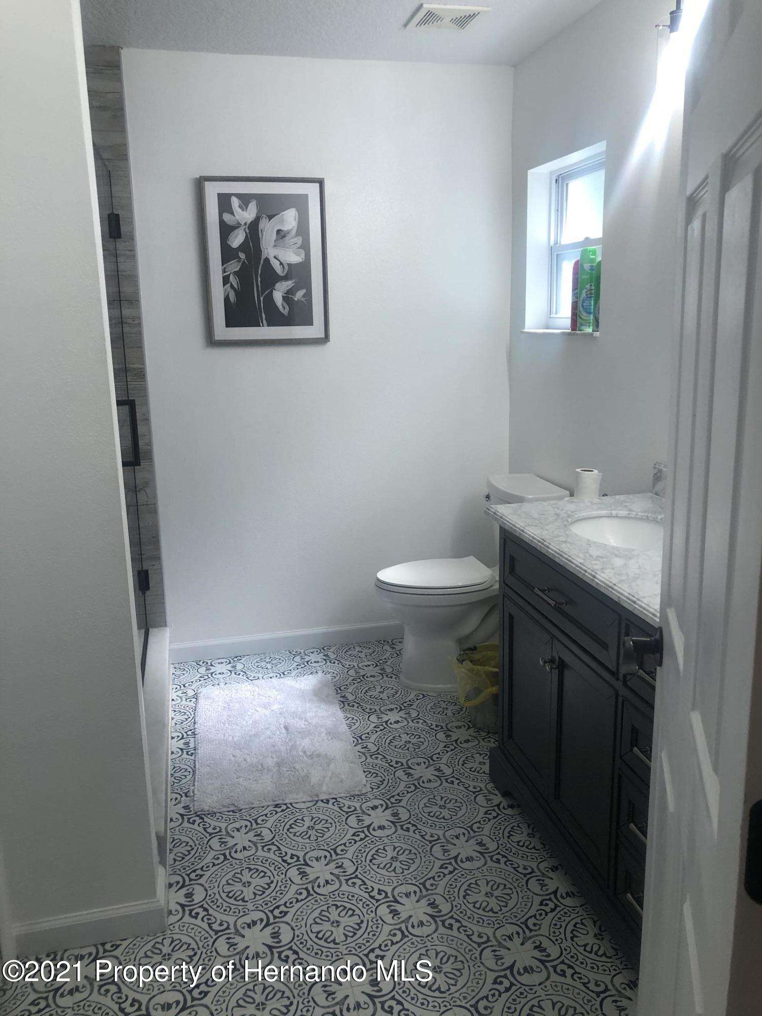 Listing photo id 15 for 7910 E Derby Oaks Drive