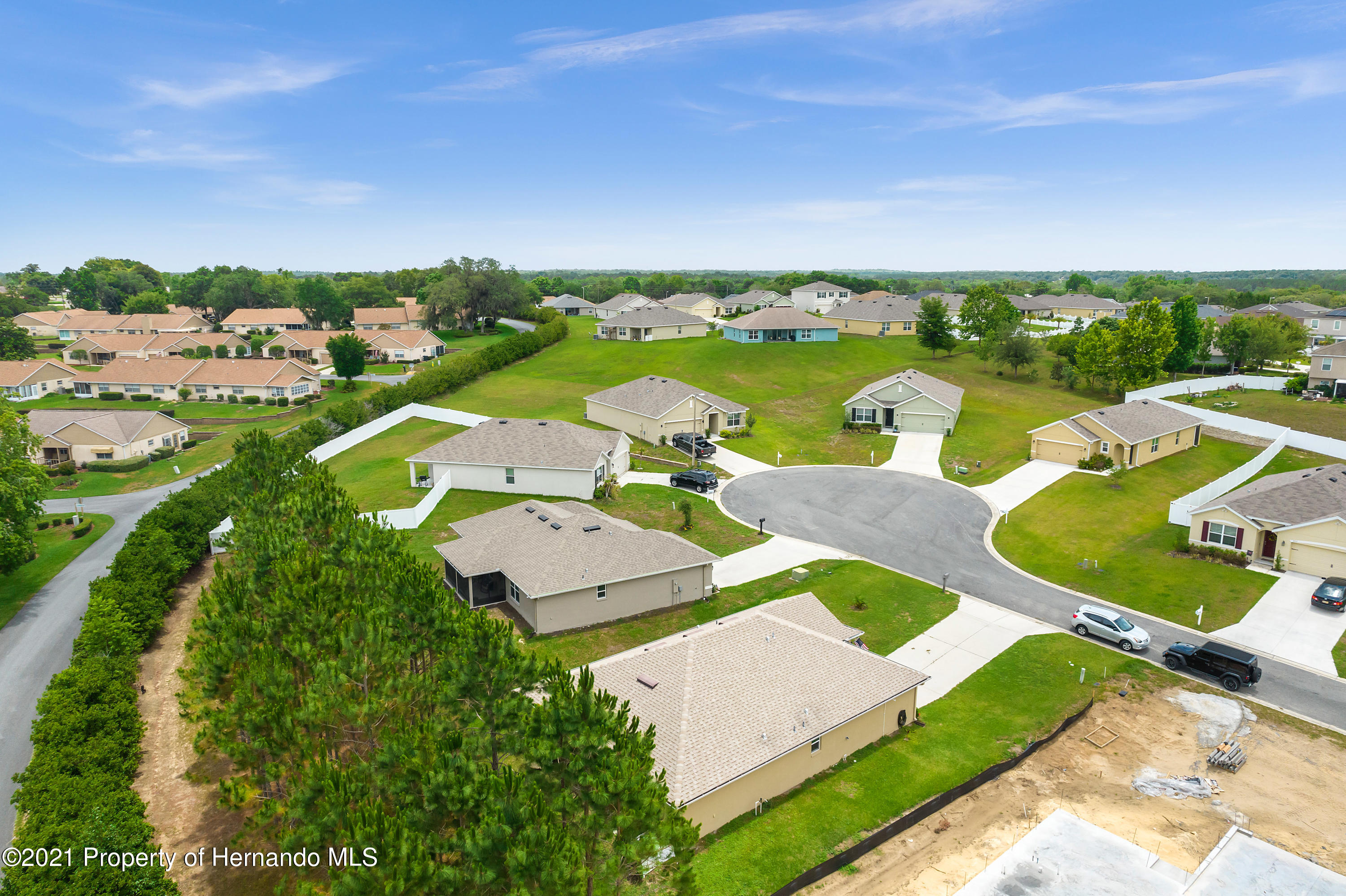Listing photo id 2 for 3560 N Burroughs Path